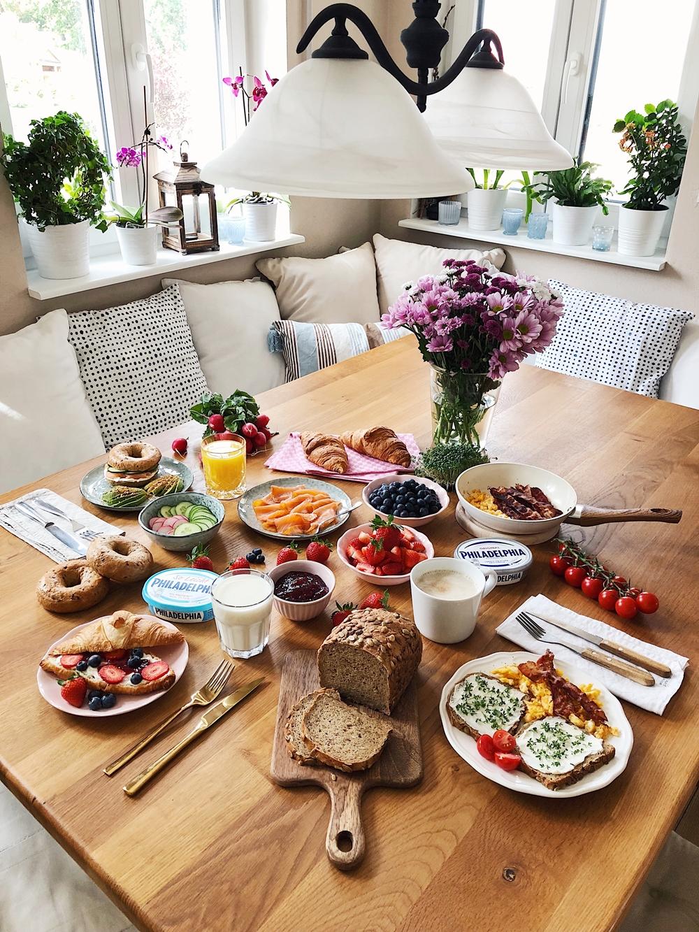 Casual Breakfast Layout